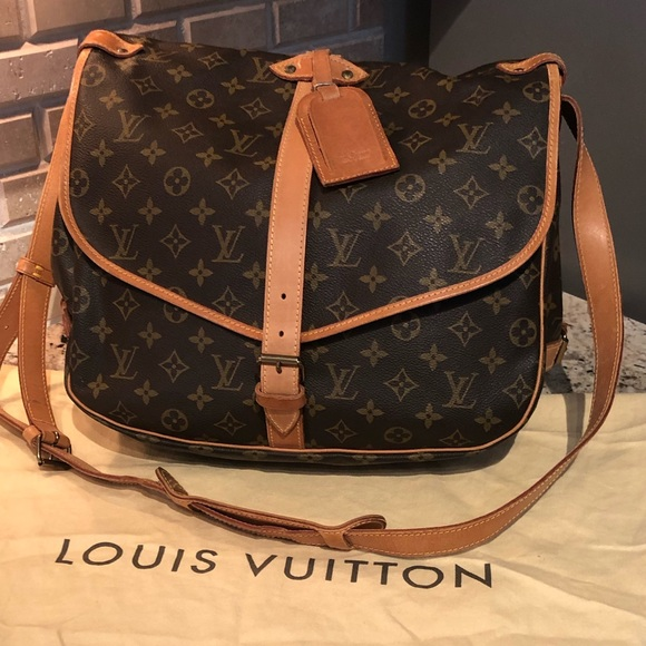 341da5ef2919 Louis Vuitton Handbags - ✅SALE✅DISCONTINUED LV SAUMUR 35 CROSSBODY BAG🍀🍀